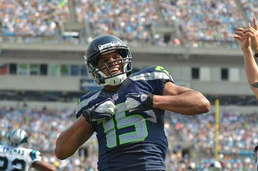 Jermaine Kearse sendet nach seinem Game Winner 2013 per Superman-Pose Grüße an Cam Newton und die Carolina Panthers. (Bild: imago/ZUMA Press)